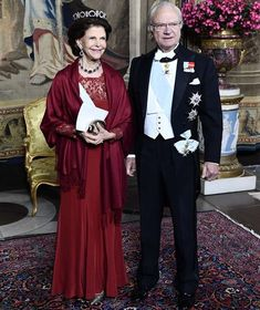 King Gustaf and Queen Silvia held a dinner at Royal Palace Prince Carl Philip, Prince Daniel, Queen Of Sweden, Swedish Royalty, Rich & Royal, Queen Silvia, Princess Sofia, Royal Palace, Royal Jewels