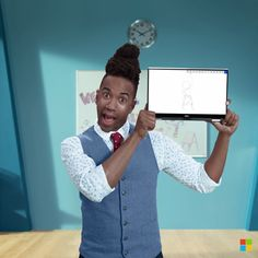 Toney Jackson teaches 4th grade creatively with rap and Windows Inking. Windows 10 PCs do more. Just like you.