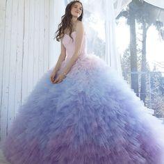 2月展示会新作 #weddingdress #dress #bridal  #fashion #couture #gown#sposa  #ウエディングドレス#ドレス #カラードレス#カクテルドレス #プレ花嫁#結婚準備#花嫁 #ブライダル#グラデーション #kiyokohata #キヨコハタ