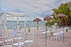 #Traumhochzeit #Hochzeitsboegen #heirateninmexiko #Blumen #hochzeitsparty