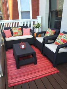 Get tips from professional landscape designers on how to design a small patio. See pictures of small patio ideas for your own patio design. Small Porch Decorating, Apartment Balcony Decorating, Apartment Balconies, Cool Apartments, Apartment Design, Apartment Living, Apartment Therapy, Apartment Backyard, Apartment Furniture