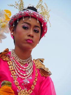 Mandalay . Shinbyu procession