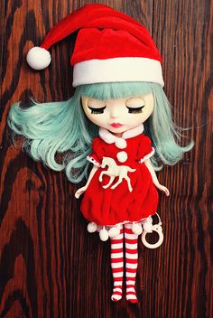 so cute! is she dreaming of a white christmas? need her @Olivia García o