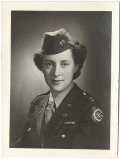 [Portrait of Florence S. Weil, circa 1944] :: Women Veterans Historical Project