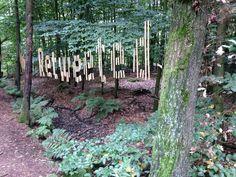 """Retweeted"", onderdeel kunstwerk dichter Nick J. Swarth, manifestatie Landart Diessen, Noord-Brabant (september 2013)."