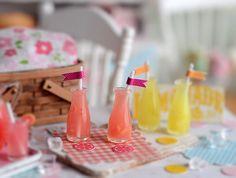 Miniature Lemonade in Bottles por CuteinMiniature en Etsy