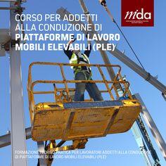 Corso per addetti alla conduzione di piattaforme di lavoro mobili elevabili. Contattaci per un'offerta personalizzata