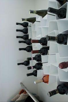 Køb dansk design vinreol · smuk dynamisk reol til vin · grafisk smuk vinreol