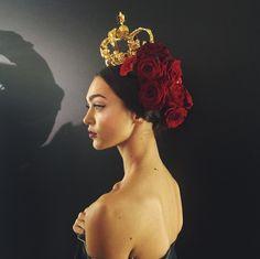 Les coiffures Frida Kahlo du défilé Dolce & Gabbana