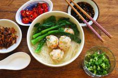Rice Vermicelli Soup With Shrimp Balls