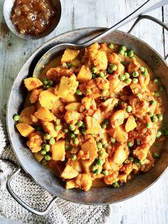Blomkål- og potetcurry med erter Cauliflower, Nom Nom, Mango, Vegetables, Curry, Food, Alternative, Spinach, Recipes