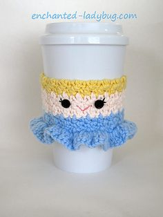 This sweet little crochet Cinderella cup cozy is perfect for any Disney Princess fan!