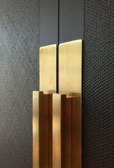 Wooden entrance door design hardware 40 Ideas for 2019 Wardrobe Door Handles, Door Pull Handles, Wardrobe Doors, Door Pulls, Door Knobs, Modern Door Handles, Joinery Details, Unique Doors, Wardrobe Design