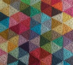 Crochet Color Circles https://www.facebook.com/pages/Attys/285033854868633?ref=hl