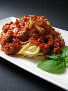 Sauce à la Tomate et aux Saucisses Italiennes Sauce Spaghetti, Ajouter, Macaroni, Food And Drink, Pizza, Lunch, Sauces, Arts, Ethnic Recipes