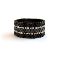 Simple modern womens ring Black band ring for women Unique minimalist jewelry Simple thumb ring Eleg Wide beaded ring. Black, dark gray and steel beads. This ring made with Miyuki delica seed beads. More peyote rings (seed Black Band Ring, Black Rings, Seed Bead Jewelry, Beaded Jewelry, Seed Beads, Everyday Rings, Thumb Rings, Simple Jewelry, Bracelets