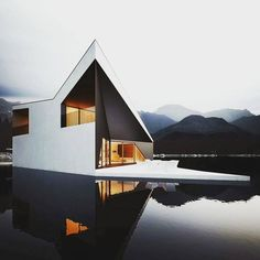 Form and Shape - this building combine architectural diagonal and horizontal lines integrating with the water creating a feeling of luxury and relaxation.