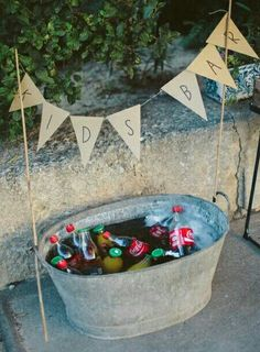 Top 20 Rustic Country Galvanized Bucket Wedding Ideas Galvanized metal decor is . - Top 20 Rustic Country Galvanized Bucket Wedding Ideas Galvanized metal decor is a must-have for any - Drink Bar, Wedding Reception Ideas, Wedding Parties, Diy Wedding Bar, Geek Wedding, Wedding Souvenir, Budget Wedding, Wedding Tips, Wedding Table