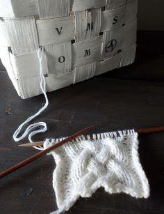 omⒶ KOPPA: PALMIKKONEULE Shag Rug, Knit Crochet, Rugs, Knitting, My Style, Inspiration, Decor, Ideas, Crocheting