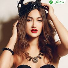 Una princesa muy irreverente y sensual. Crown, Halloween, Ideas, Fashion, Online Shopping, Princess, Make Up, Moda, Corona