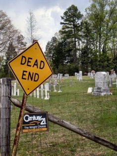 Dying to get in? Humor in graveyard | Home - Entertainment