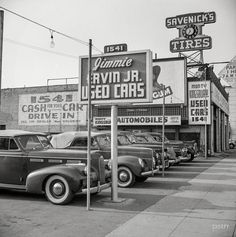 Shorpy Historic Picture Archive :: Cash for Your Car: 1942 high-resolution photo