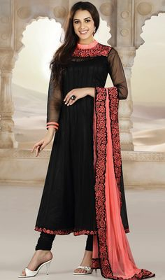 Scintillating Black Chudidar Kameez Price: Usa Dollar $188, British UK Pound £110, Euro138, Canada CA$203 , Indian Rs10152.