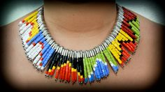 Cocolate: DIY: Collar de imperdibles