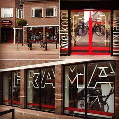 Brama2wielers.nl te Borne Pand voorzien van reclamebelettering. Van, Facebook, Vans, Vans Outfit