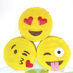 pinata-amarilla-emoji-bromista-merida-mexico.jpg (800×800)