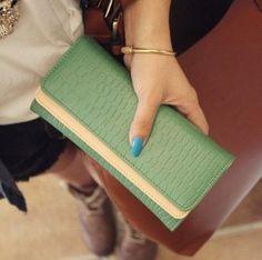 Amazon.com: Kloud patrón de piedra de cuero ® Green de la capa doble mujeres de la carpeta / del monedero / la tarjeta de crédito del sostenedor plus paño de limpieza Kloud: Productos de oficina