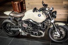 No no NineT - aber fast . Das Goodwood 21 hat Schlagzeilen in der G . Bmw Scrambler, Scrambler Custom, Bmw Motorbikes, Bmw Motorcycles, Bike Bmw, Motorcycle Bike, Nine T Bmw, R1200r, Bmw Boxer