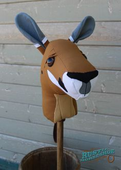 Kangaroo Ride-On Toy Stick Horse Hobby Horse por RusticHorseShoe
