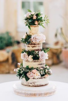 boho wedding cakes Jaclyn and Georges Boho Glam Wedding with Accents of Pale Pink and Nude byWill Patrick Wedding Photography Floral Wedding Cakes, Wedding Cake Rustic, Wedding Cake Designs, Boho Wedding, Floral Cake, Wedding Reception, Cake Wedding, Rustic Weddings, Boho Bride
