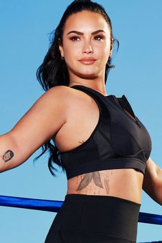 Demi Lovato Fabletics line Spring Summer 2020 Hottest Female Celebrities, Hollywood Celebrities, Celebs, Demi Lovato Pictures, Gal Gadot, Celebrity Photos, Celebrity Faces, Celebrity Couples, Youtube
