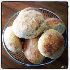 Duften av nystekte rundstykker - Enestående MatEnestående Mat