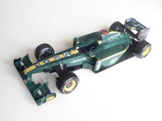 F1 Paper Model - 2010 GP Bahrain Lotus Cosworth T127 Free Template Download