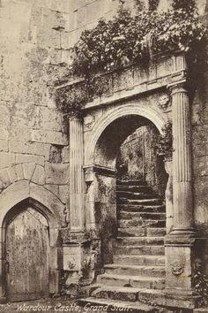 Castle Sketch, Castle Drawing, Abandoned Castles, Abandoned Places, Rome Photography, Fantasy Castle, Old Street, Architecture Old, Fantasy Landscape