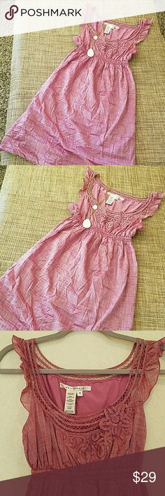 """Max Studio Dress NWT,NEW. Adorable dress, fully lined, cotton fabric and linen is polyester, Tagged Size Medium, but runs very small, I would say more like Size XS, or Size 0. Length 35"""", bust 16"""" approx, waist stretches comfortably to 15"""" Max Studio Dresses"""