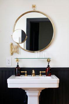 round brass bathroom mirror in a black and white bathroom Bathroom Renos, Bathroom Interior, Gold Bathroom, Bathroom Ideas, Bathroom Mirrors, Pedastal Sink Bathroom, Bathroom Styling, Bathroom Remodeling, Bathroom Vintage