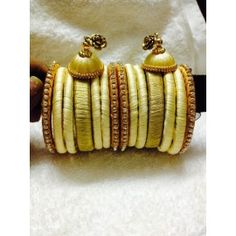 Bangle set made of silk with silk ear-rings