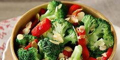 This Broccoli Salad is totally elevated with fresh red grapes, roasted/salted almonds and a delicious poppyseed dressing. Garlic Broccoli, Broccoli Salad, Crock Pot Potatoes, Rainbow Salad, Tomato Salad Recipes, Healthy Salads, Summer Recipes, Veggies, Homemade