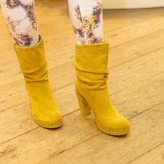 Opvallen? Leg het accent op je voeten met deze mooie gele laarsjes