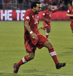 Canada's World Cup hopes take a hit with injury to Dwayne De Rosario Soccer World, Soccer Fans, Canada Soccer, Toronto Fc, Winner, World Cup, Take That, Football, Beats