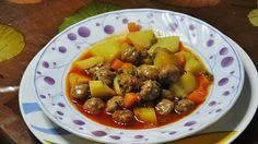 Sulu Köfte (tavuk etli) Tarifi için malzemeler 2 tane tavuk göğsü 2 tane rendelenmiş orta boy soğan 1,5 su bardağı köftelik ince bulgur 1 tane yumurta 1 çorba kaşığı salça (isteğinize göre domates yada biber) 1 çay kaşığı tuz 1 çay kaşığı karabiber 1 çay kaşığı kırmızı toz biber Suyu için gerekli malzemeler: 1 çorba …