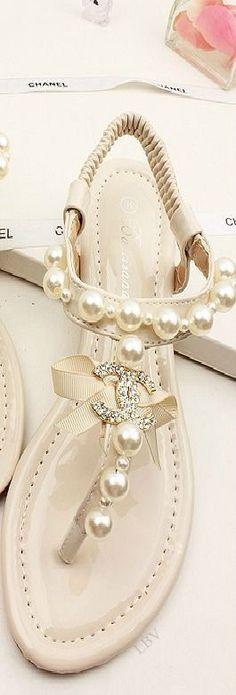 Aaaaahhhhh je veux ces sandales!