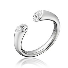 Paul Spurgeon // Platinum and pear cut diamond ring // Jewellery Designer and Master Goldsmith