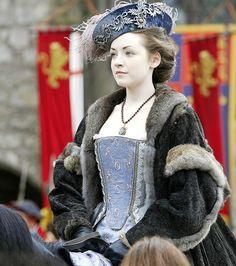 we love period drama mary tudor Tudor Series, Mary Tudor, Sarah Bolger, Medieval Princess, Tudor Dynasty, Tudor Era, Princess Mary, Queen Mary, Historical Costume