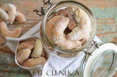 Cornulete cu nuca - Retete culinare by Teo's Kitchen