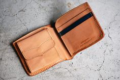 "Roberu delivers a few special for Japan's Blue Horizon shop/school of surf. The two leather wallets come tanned in a beautiful hue of blue that represents the sky. Choose between the  five-pocket and ""short"" versions – both will serve you will for years, if not decades. More looks after the click."